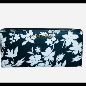 🌸 Michael Kors Large Snap Wallet &Card Case 🌸